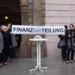 Startschuss für die Petition Gender Budgeting vor dem Landhaus Linz.